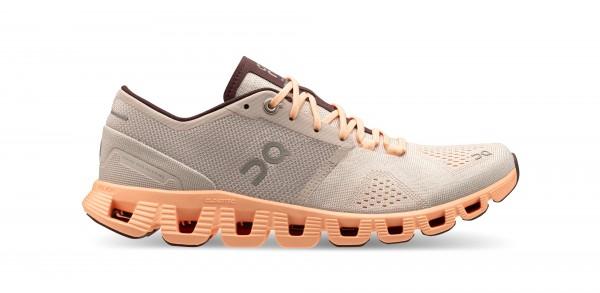 On Cloud X Damen Laufschuh & Workout-Schuh | silver / almond